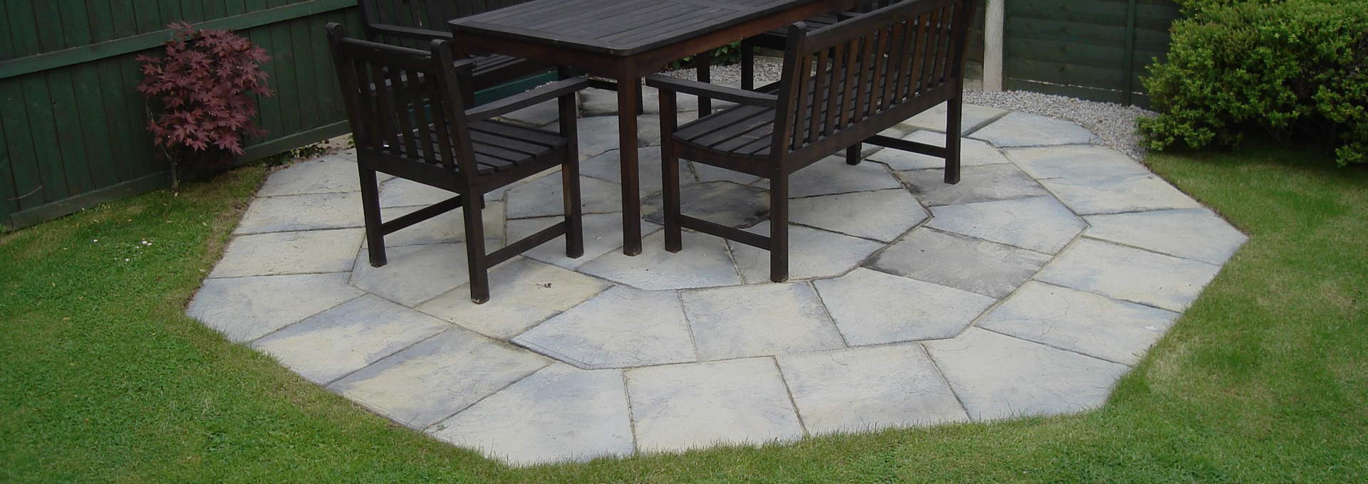 Heptagonal patio fitting project in Hinckley.